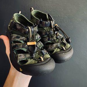 KEEN Boys Green Camo Sandals